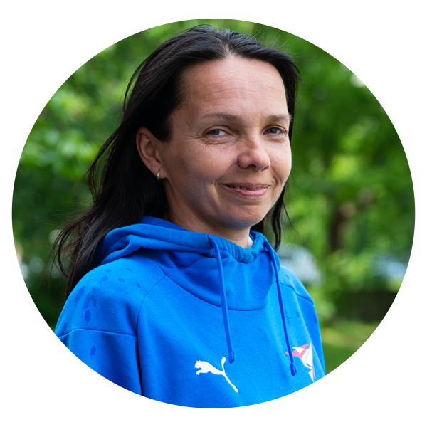 <h6><strong>Hajnalka Tóthová</strong></h6>